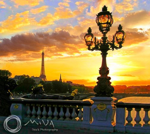 Miva Stock_2589 - France, Paris, Eiffel Tower, Alexandre III Bridge